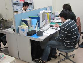 lab-desk1.jpg